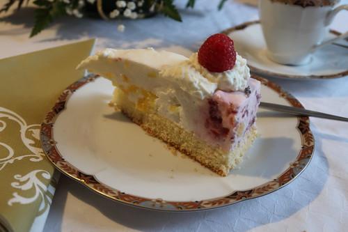 Ananas-Himbeer-Quark-Torte