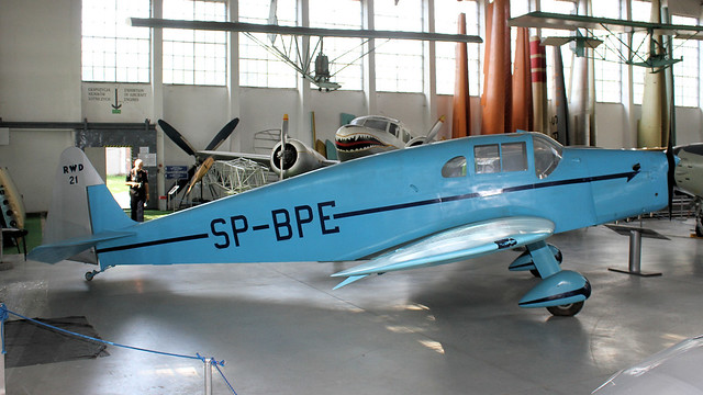 SP-AKG