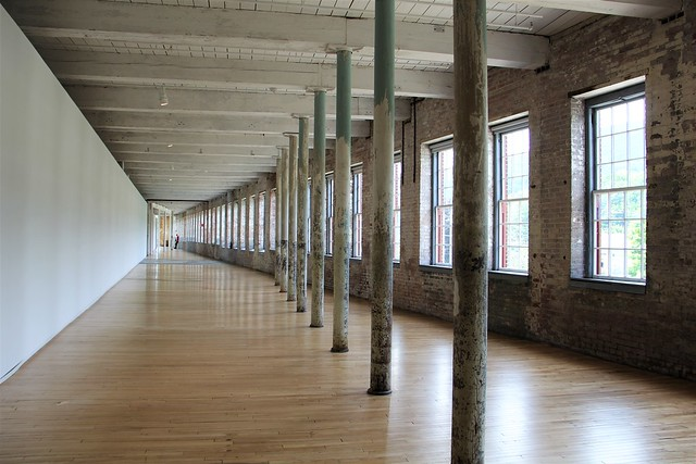 MASS MoCA space, Canon EOS 60D, Canon EF-S 18-200mm f/3.5-5.6 IS