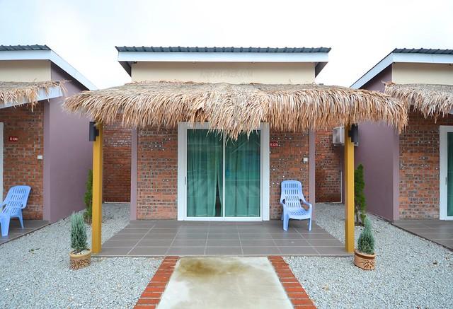 lavigo resort Bungalow Poolside room