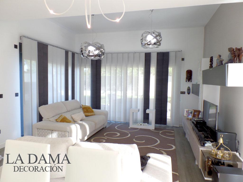 Fotograf as de cortinas en salones modernos la dama - Decoracion en salones modernos ...