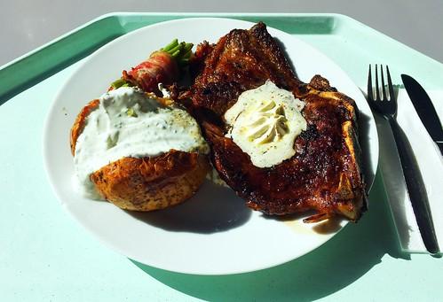 Ox chop with herb butter, bacon beans, oven potatoe & chives curd / Ochsenkotelette mit Kräuterbutter, Speckbohnen, Ofenkartoffel & Schnittlauchquark