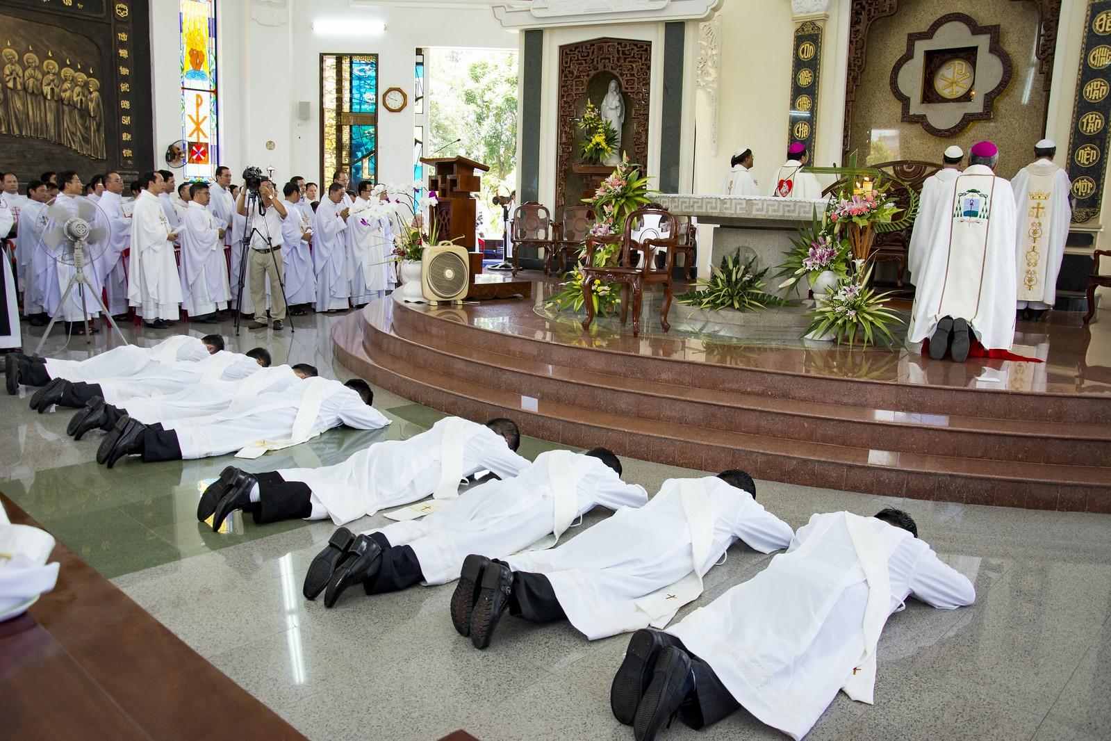 Đan Viện Thánh Mẫu Phước Sơn : Thánh Lễ Truyền Chức Linh Mục - Ảnh minh hoạ 10