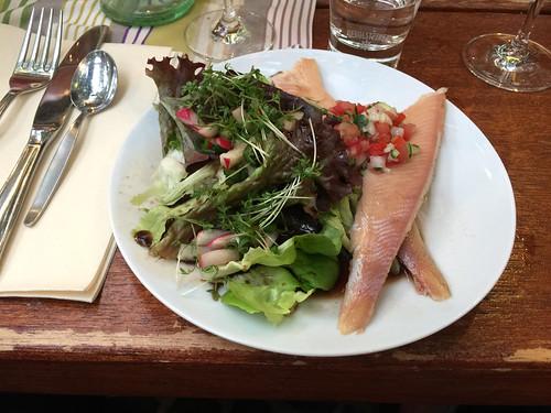 21 - Appetizier salad with smoked trout / Vorspeise Salat mit geräucherter Forelle - Weingut Allendorf
