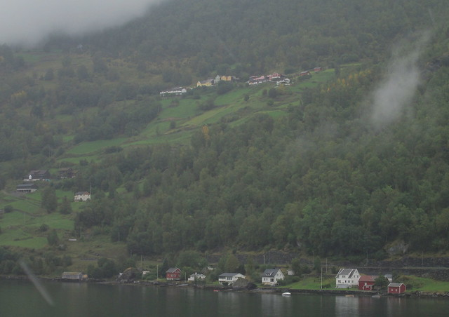 Aurslandfjord houses