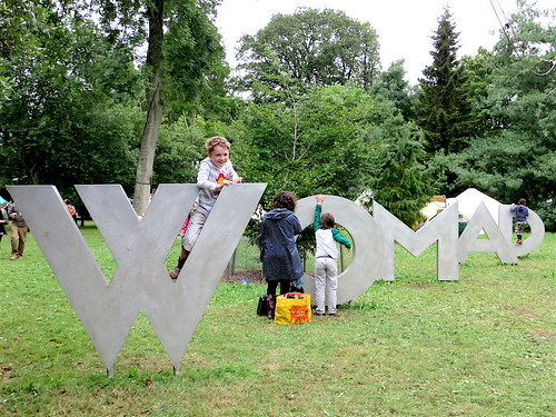 WOMAD 2017: the sign in the arboretum