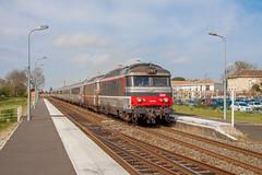 01 avril 2014  BB 67430-67582  Train 3842 Toulouse -> Nantes  St André-de-Cubzac (33) - Photo of Saint-Genès-de-Fronsac