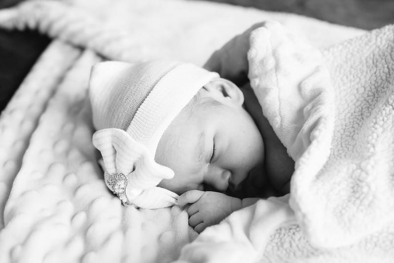Emma_Newborn_Resized_012