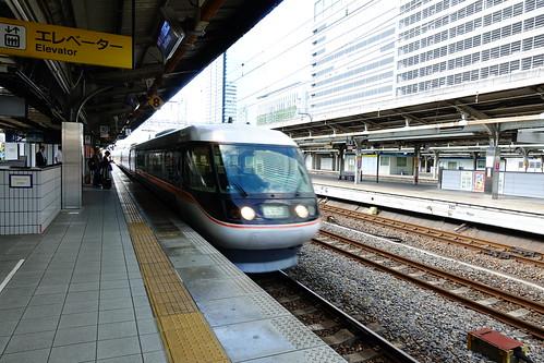 搭特急前往松本