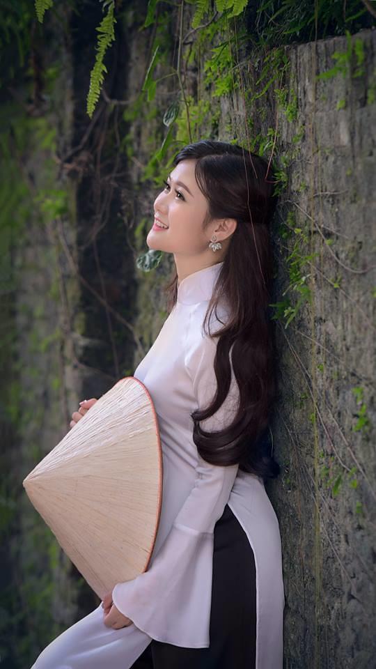 ao dai non la lam gom - linh van dinh (5)