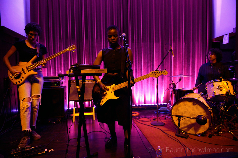 20170928 085 Vagabon at Swedish American Hall by Jon Bauer
