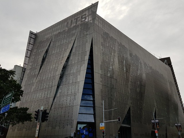 Sydney Modern Architecture Building - Samsung Galaxy Note 8 photo example (4)