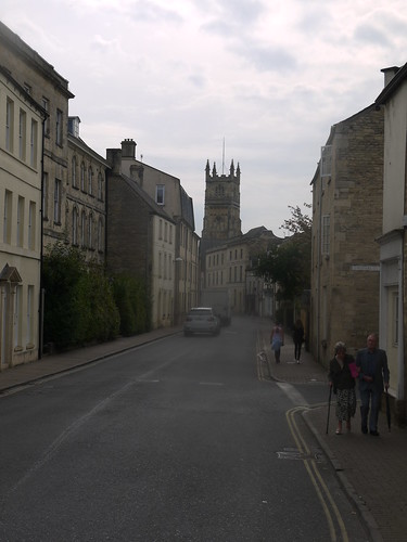 Coming into Cirencester