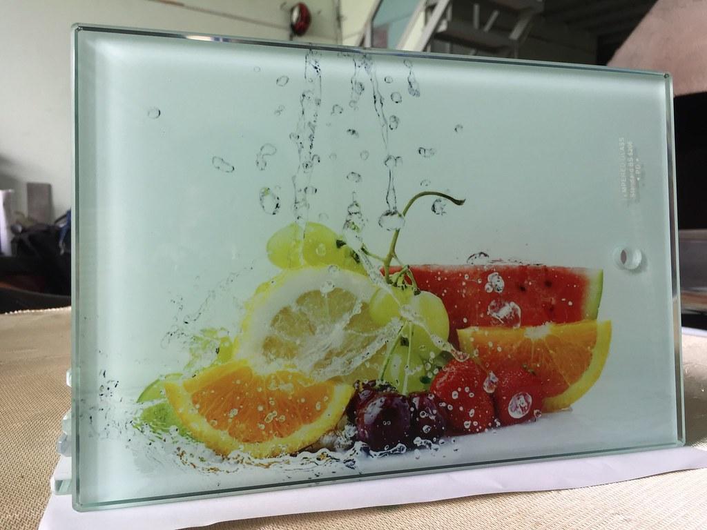 Xưởng sản xuất thớt kính cường lực in hình trái cây 3D iGH3267 tại TpHCM