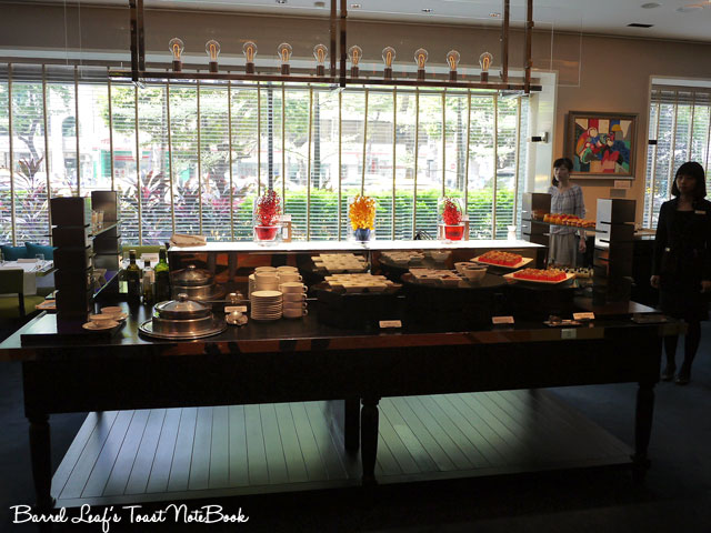 ambassador-hotel-aqua-lounge-buffet (5)