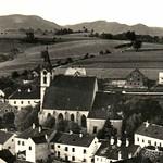1935 Kreuzen Ortner links Kirche