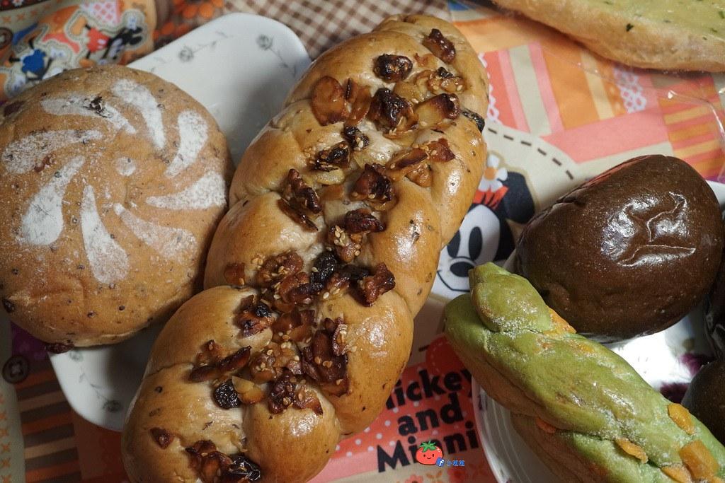 新莊 果亞烘焙 不脹氣的麵包