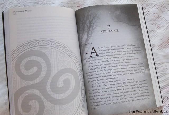 Livro, Dois Mundos, Simone O. Marques, Butterfly Editora, distopia, fantasia, mitologia-celta, opinião, resenha, trechos, diagramação