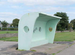 RETRO WIND SHELTERS IN CLONTARF [DESIGNED IN 1934 BY HERBERT SIMMS]-131630