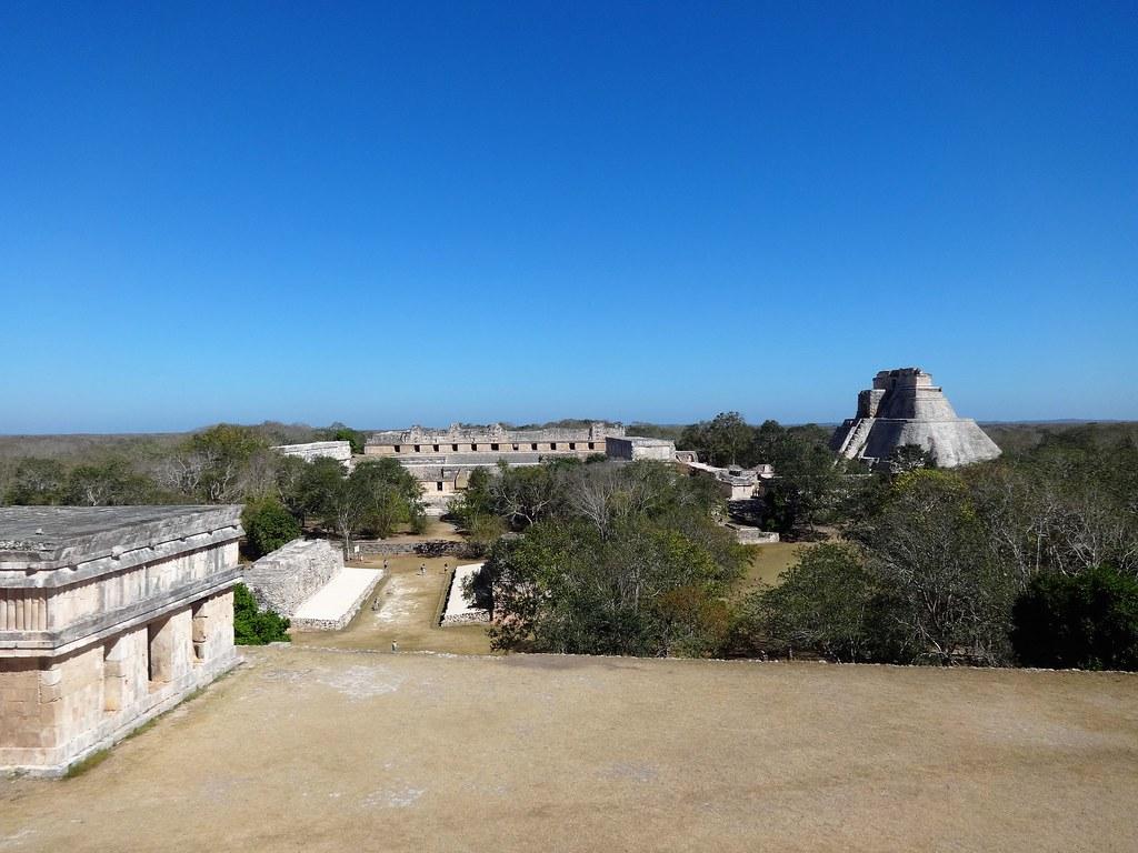 Widok z Pałacu Gubernatora w Uxmal