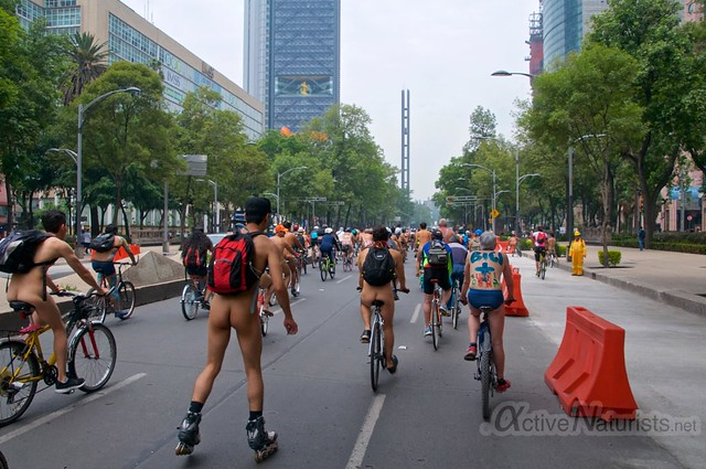 naturist 0008 WNBR World Naked Bike Ride, Mexico