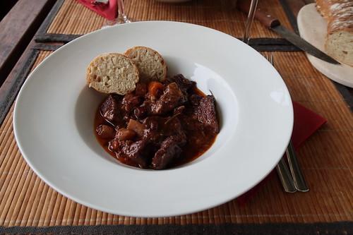 Bœuf bourguignon (allerdings mit Rotwein von Korsika statt Burgunderwein)