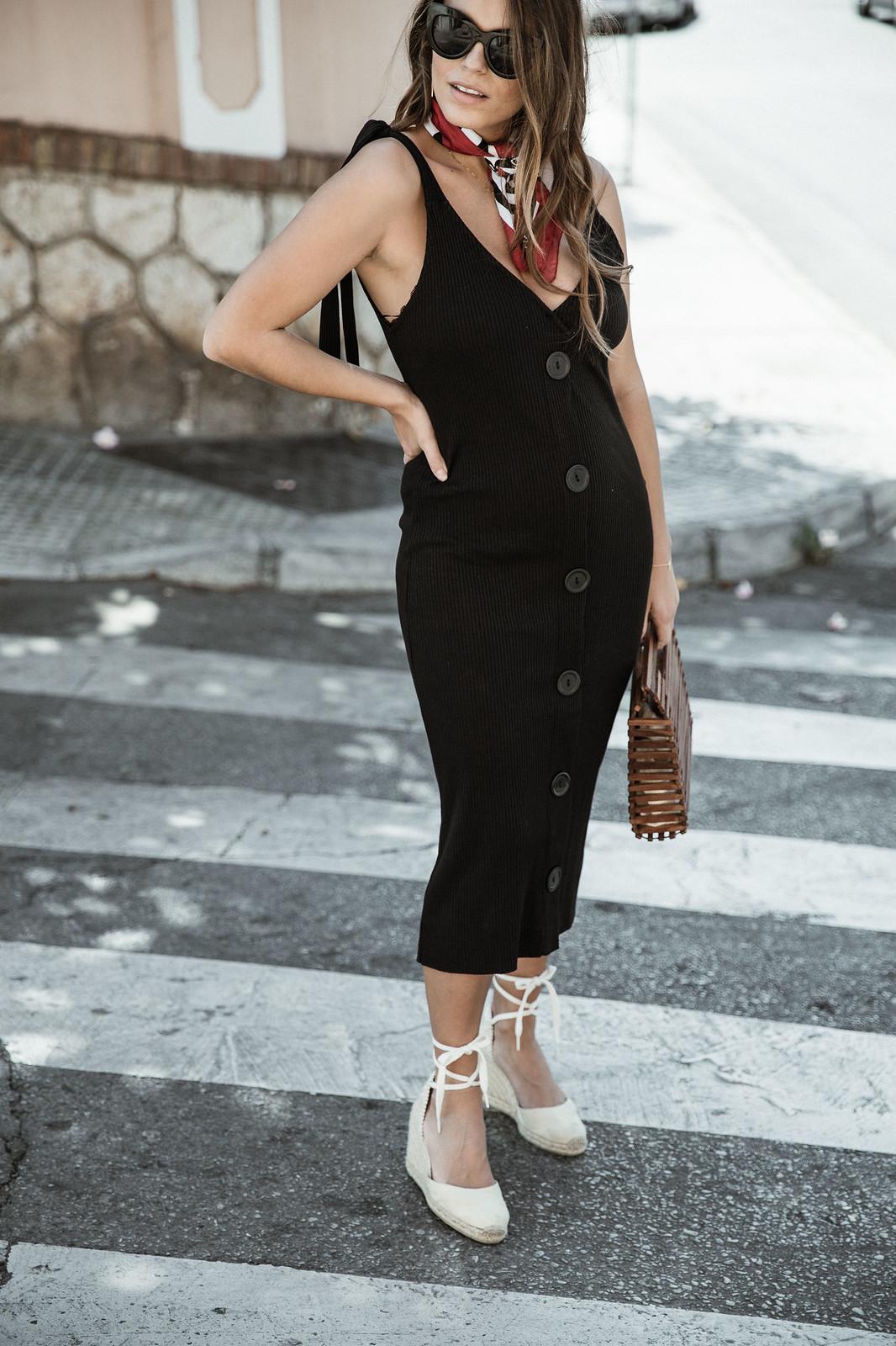 seams for a desire - jessie chanes - black tight dress - zara-12