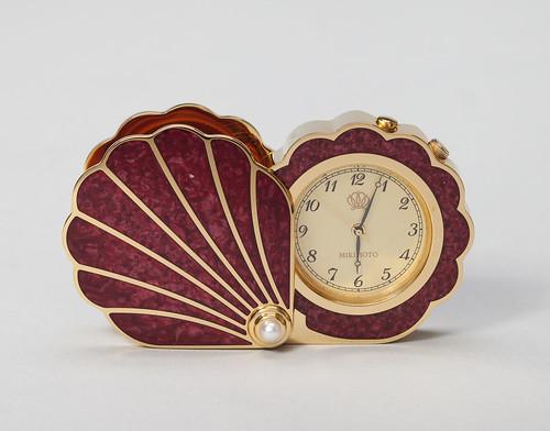 Shell-Shaped Pocket Watch