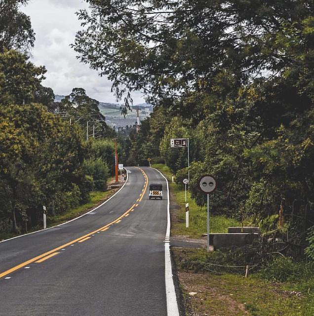 AlNatural [Rural] . . #TatoAlvarEzFotografia #colombiagrafia #idcolombia #igerscolombia #ig_colombia #thisisincolombia #colombia #galeriaco #colombia_greatshots #beautiful_destinations #sesquile #igworldclub #nikontoday #topcolombiaphoto #colombia_estrell