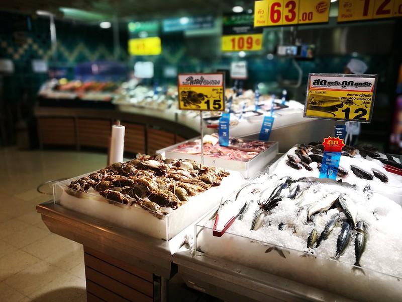 タイのスーパーマーケットにて