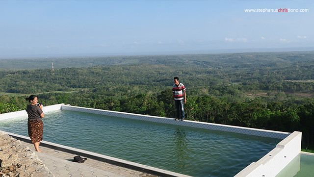 Kolam renang Batoer Hill Resort