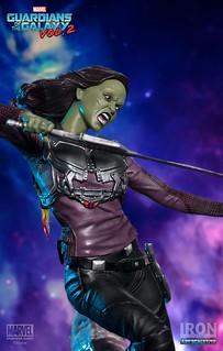殺個怪獸而已,不用那麼猙獰吧~~Iron Studios Battle Diorama 系列 星際異攻隊2【葛摩菈】Guardians of the Galaxy Vol. 2 Gamora 1/10 比例決鬥場景作品