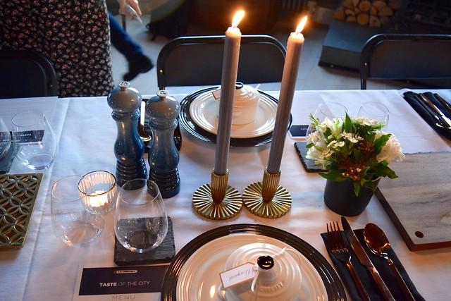 Setting the table with Le Creuset | www.rachelphipps.com @rachelphipps