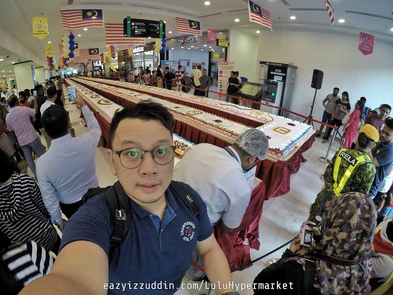 Lulu Hypermarket Longest Fruit Cake in Malaysia