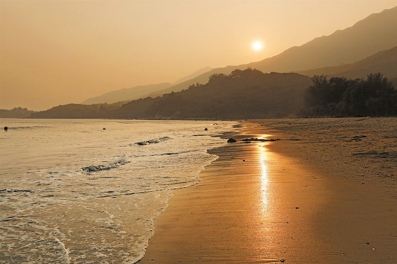Cheung Sha Beach and Pui O Beach