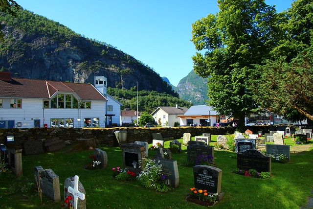 Aurlandsvangen from the church, Canon EOS 700D, Tamron 16-300mm f/3.5-6.3 Di II VC PZD Macro