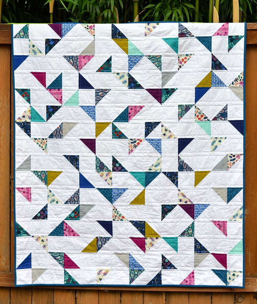 Lagoon HST Quilt (with tutorial) | Kitchen Table Quilting