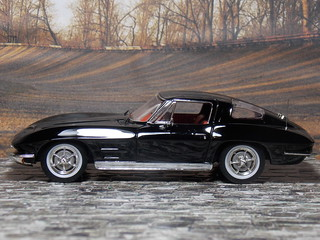 Chevrolet Corvette Sting Ray - 1963 - IXO