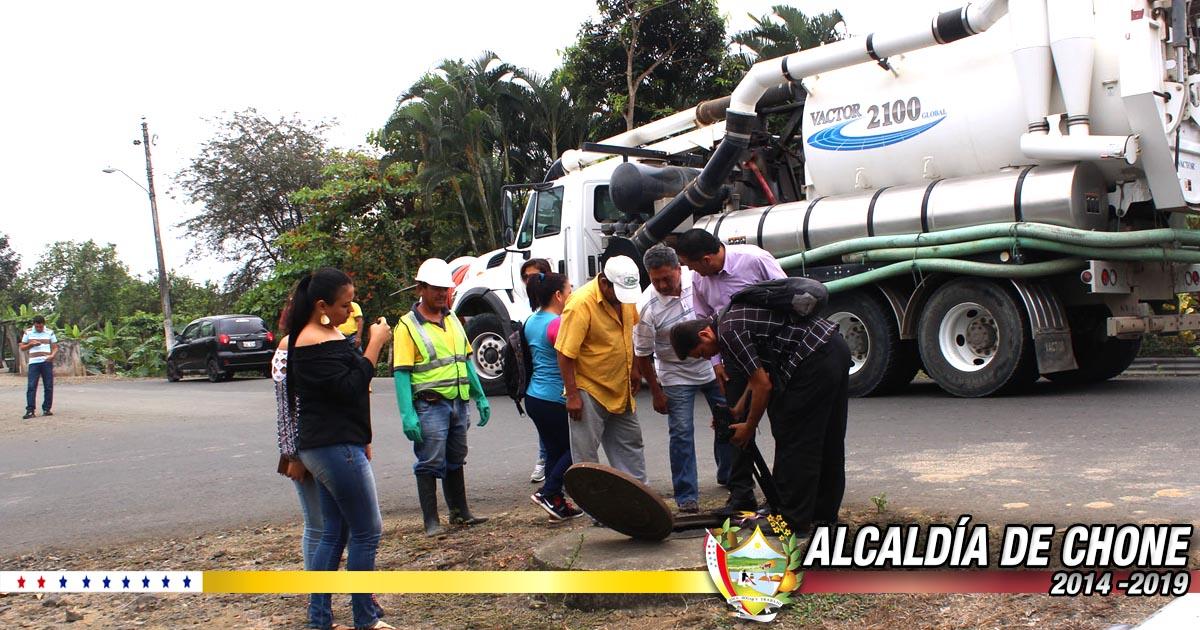 Alcaldía de Chone y organismos inspeccionaron conexiones clandestinas en Canuto