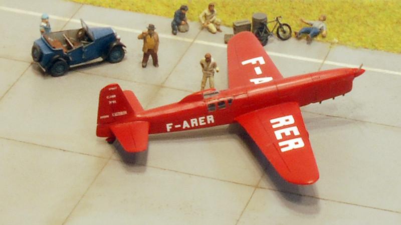 gros moteur et petites ailes... Une petite série de racers... Et un Farman - Page 2 37192321635_42e7b887b4_b