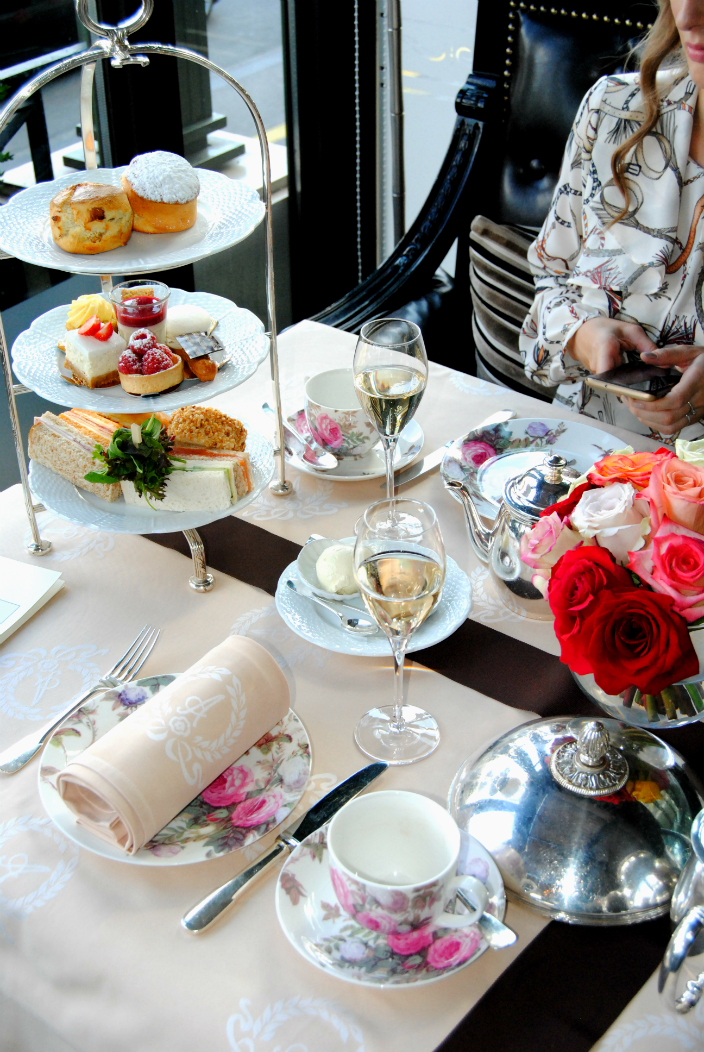 Tea time at Hotel d`Angleterre (002b)