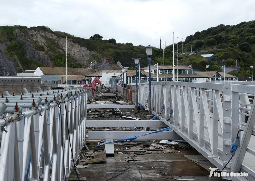 P1100972 - Mumbles Pier