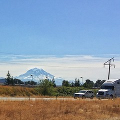 Mt Rainier from sr167 Sumner...