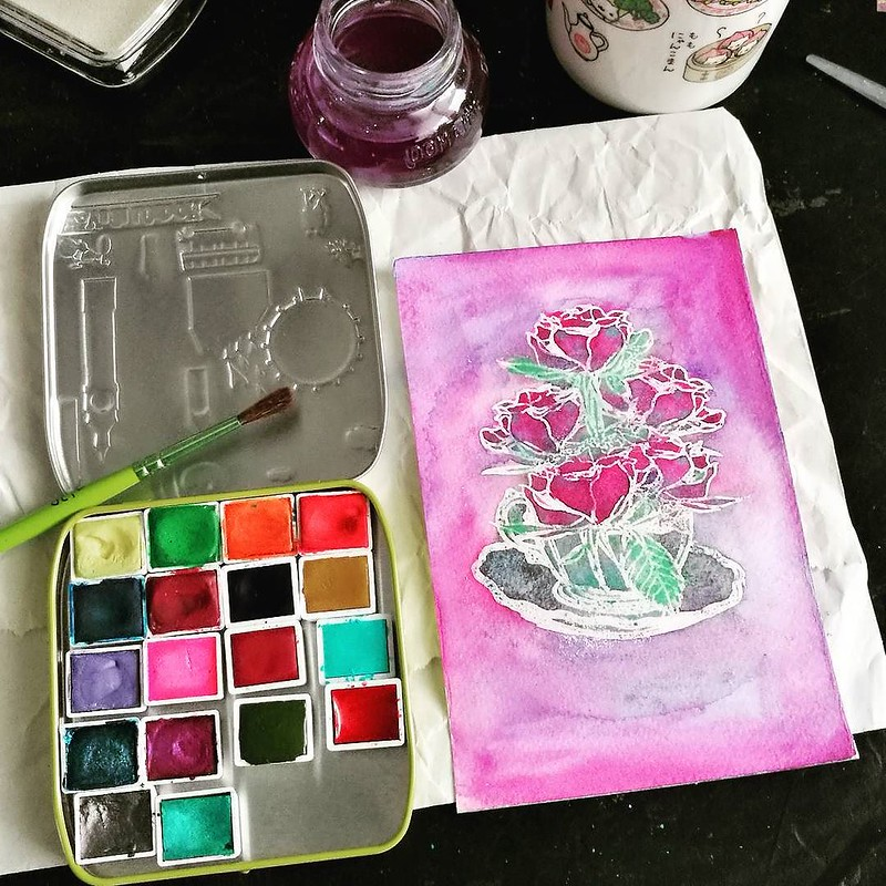 A bit of a play with some watercolors yesterday evening. Oh and if you are curious about the tin, it's a DIY watercolor palette I made of which you can see a video in my stories 😊 #watercolorstudy #watercolors #clovesandhoney #cupofroses #stamplorat