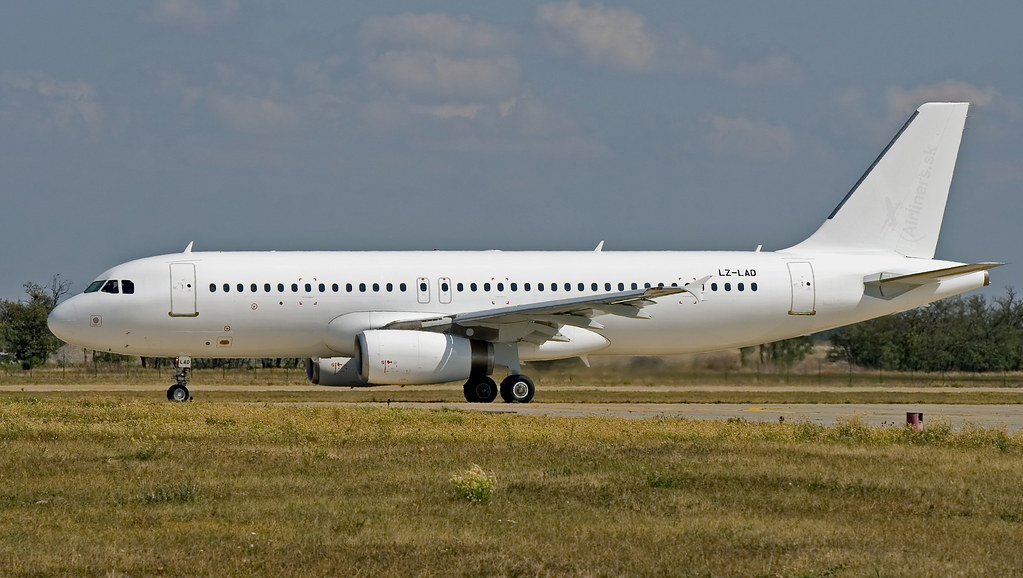 LZ-LAD Bulgarian Air Charter Airbus A320-231