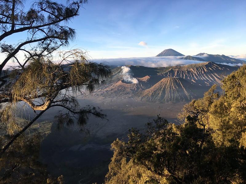 Short Trip to Bromo Volcano Area, sunrise, pasir berbisik & Savana bukit teletubbies #bromo #bromovolcano #bromosunrise #eastjava #pergipergi