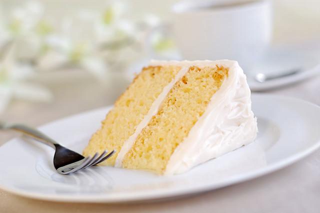 gluten-free-vanilla-cake-01