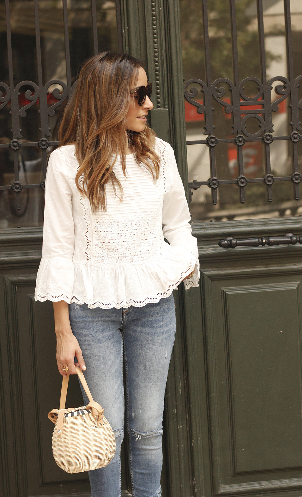 polka dot kitten heels white blouse ripped jeans outfit girl style fashion08
