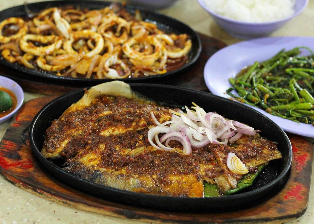 Yishun Park Hawker Centre: Jiaocai Hotplate Seafood BBQ