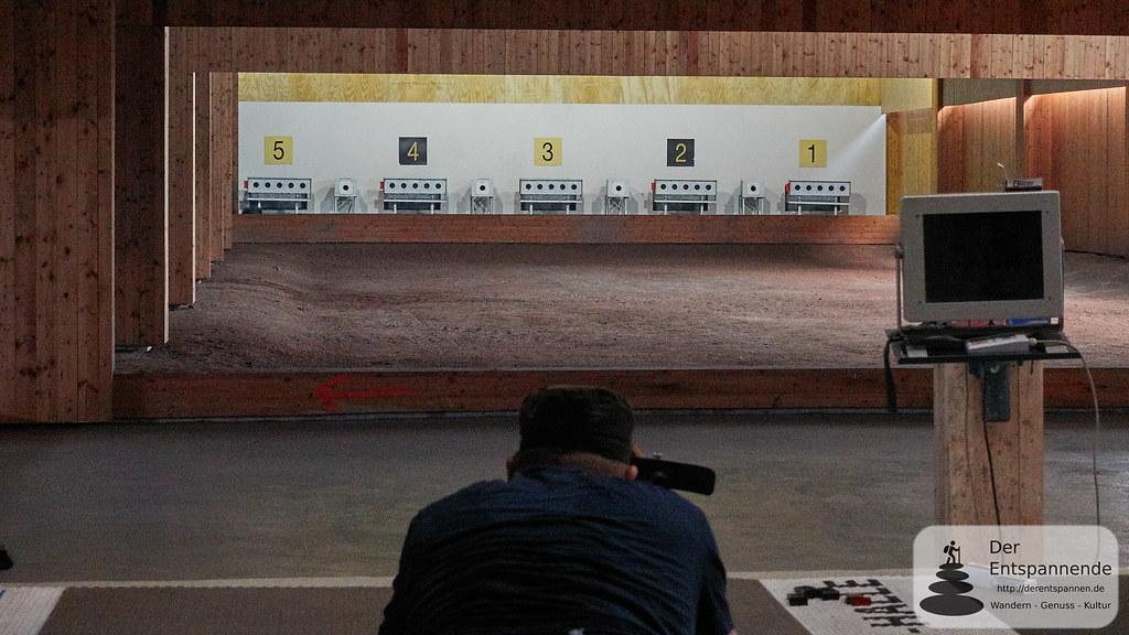 50 Meter: Biathlonschießen in der original Schießhalle